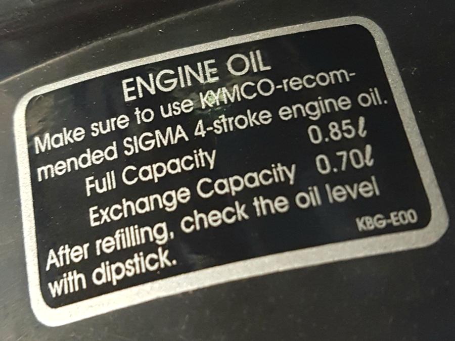 Négyütemű robogón olajbetöltési információ, olajcsere